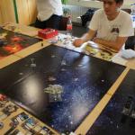 2014 X-Wing Turnier 006 Ein leicht frustriertes Einhorn beobachtet den einsamen Phantom